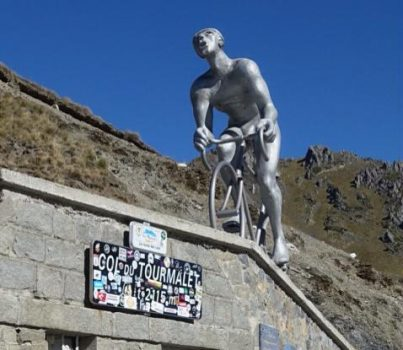 Statue of cyclist