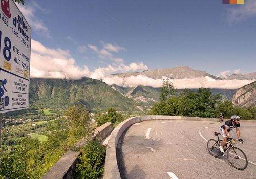 Cyclist ride in Alpe dHuez