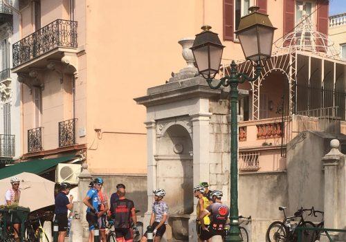 Cyclists in La Turbi