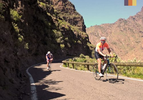 2 Cyclists climb the mountain in Lanzarote