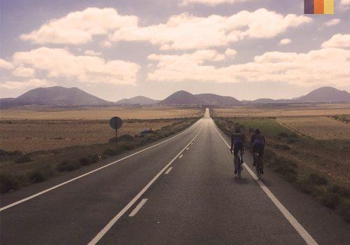 2 Cyclists ride in Lanzarote