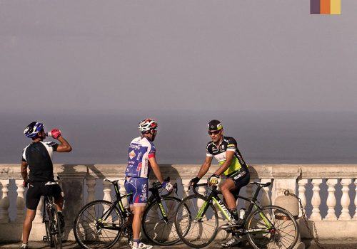 Cyclists take a break in Sicily
