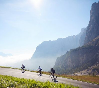 Cyclists on the Maratona dles Dolomites.