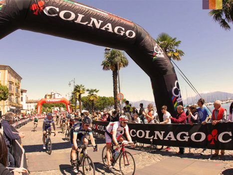 Cyclists at the start of the Granfondo Colnago