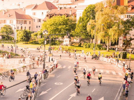 Etape du tour cyclists in france