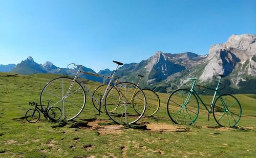 Cycling the Col d'Aubisque, The Greatest Cycling Climbs – Col d'Aubisque