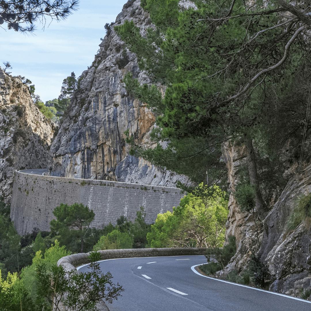 The winding road of the Coll de Sa Batalla