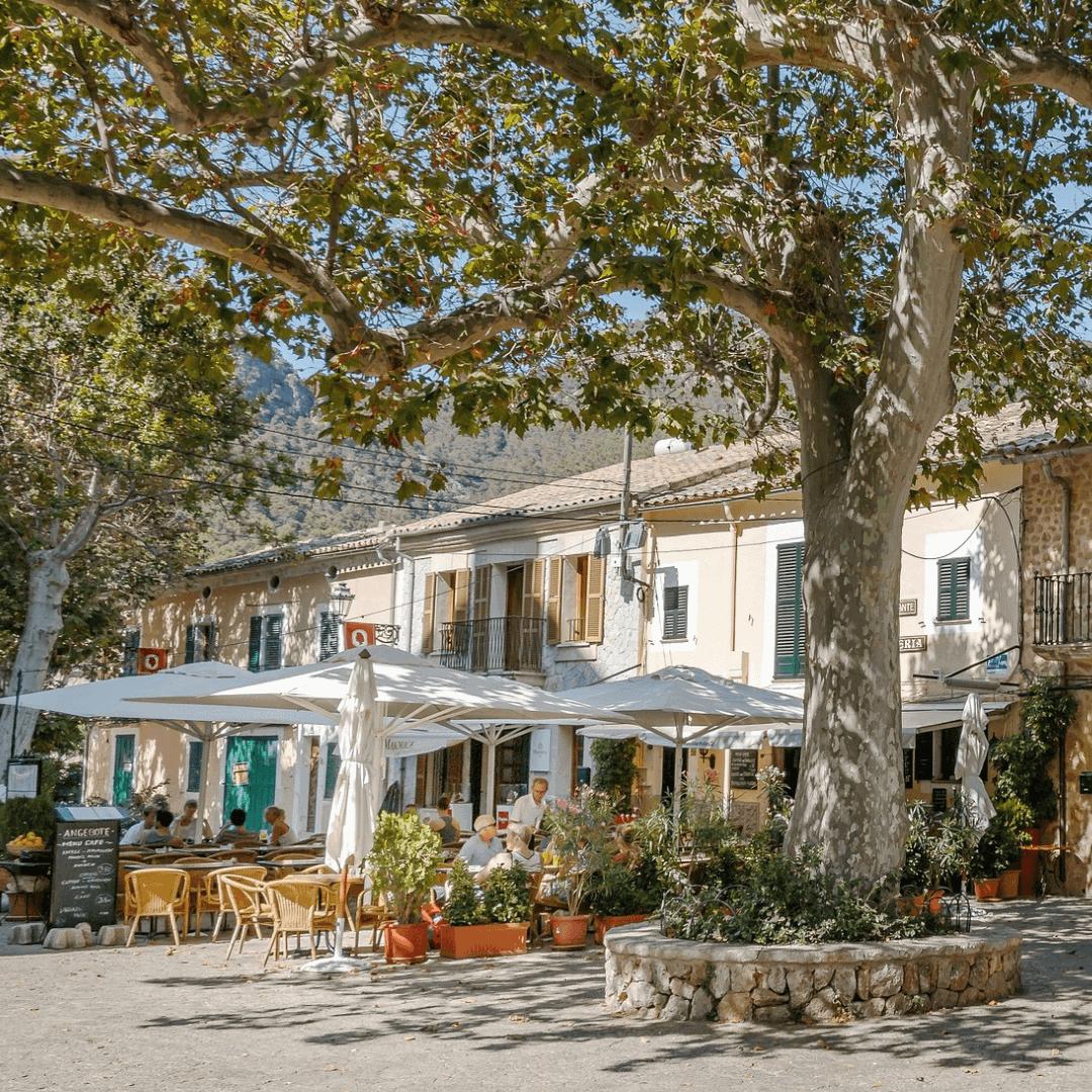 Terraced restaurants in Valldemossa